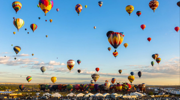 700-Heißluftballons-Zeitraffer-Video