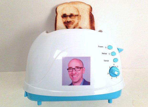 selfie-toaster