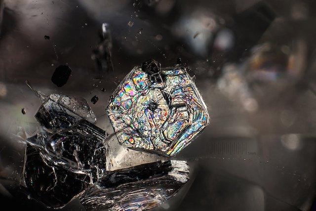 muscovite-in-quartz-mm