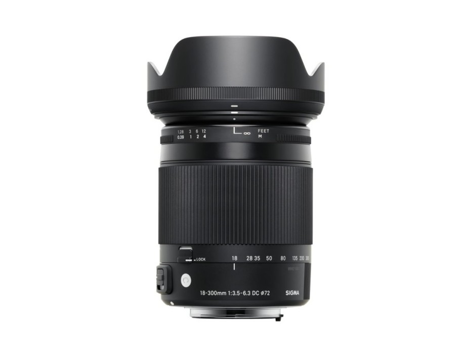 Sigma-18-300mm-DC-OS-HSM-with-lens-hood