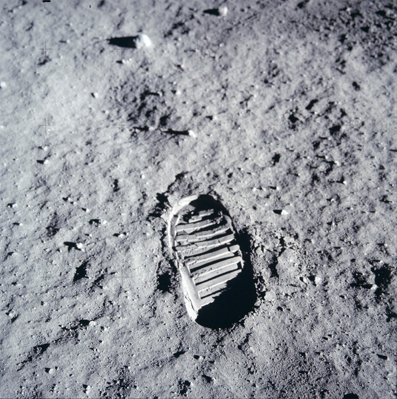 Footprint-Moon-Edwin-E.-Buzz-Aldrin-Jr.