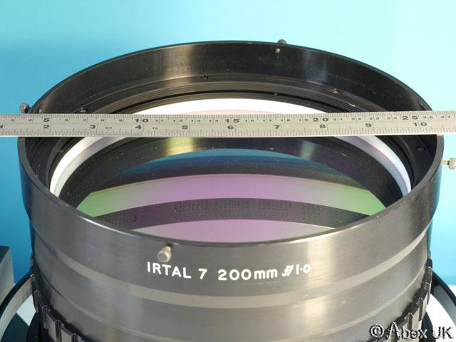 IRTAL_Super-Fast_200mm_F1.0_2
