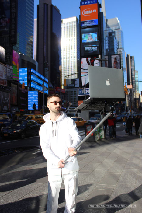 Macbook-Selfie-Stick-3
