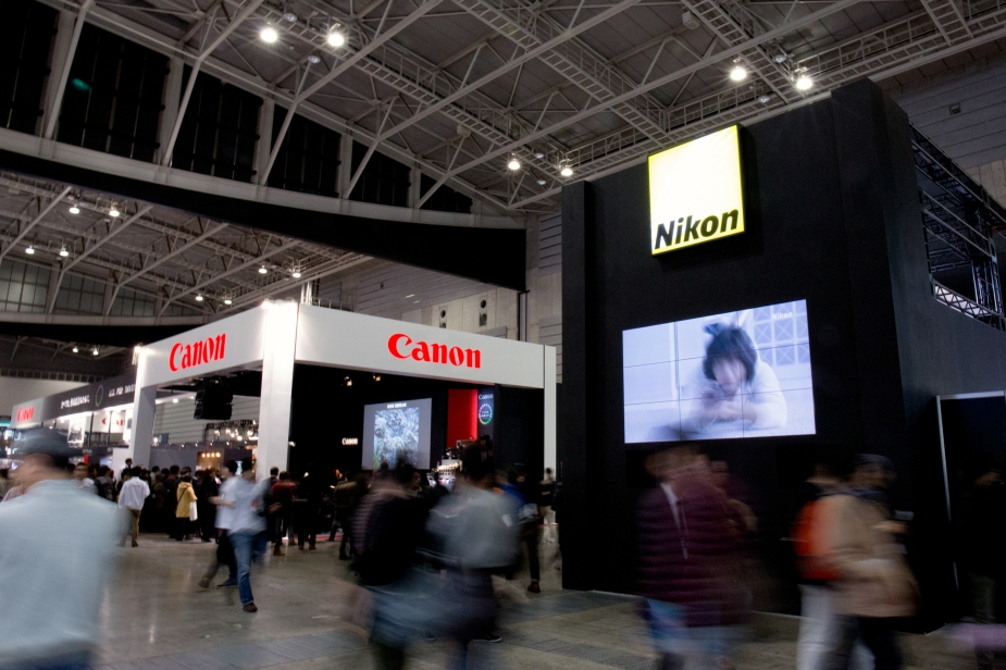 Canon_and_Nikon_2013_CP+